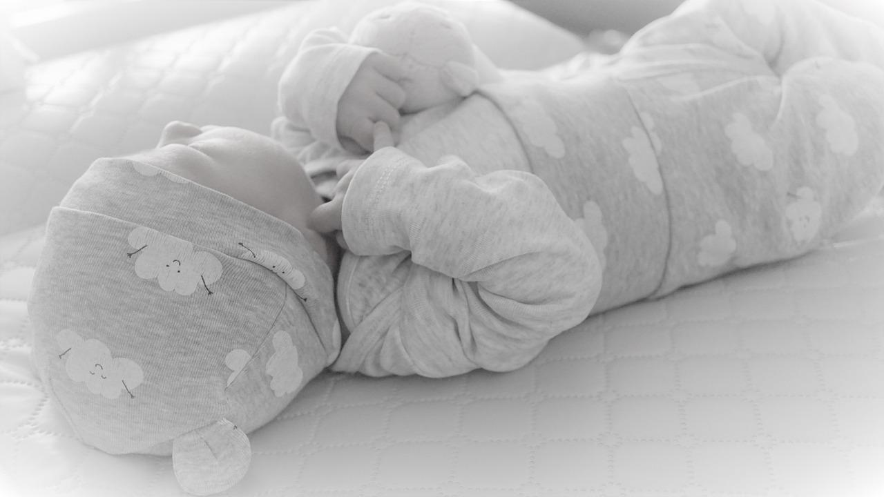 A quel âge un bébé commence à marcher ?